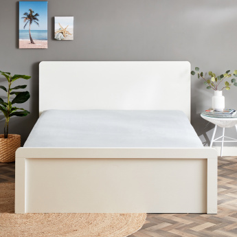 Essential King Fitted Sheet - 180x200 cms