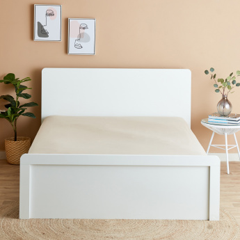 Essential Queen Fitted Sheet - 200x150 cms