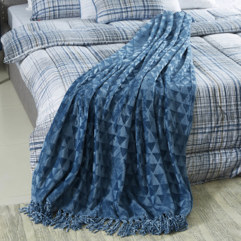 Houston Solid Flannel Embossed Throw - 130x180 cms